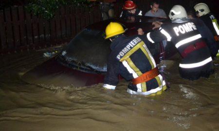 intervenție pompieri, ploile torențiale, Sursa: ISU Bucovina Suceava