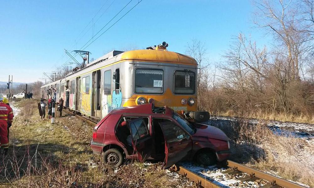 mașină târâtă de tren