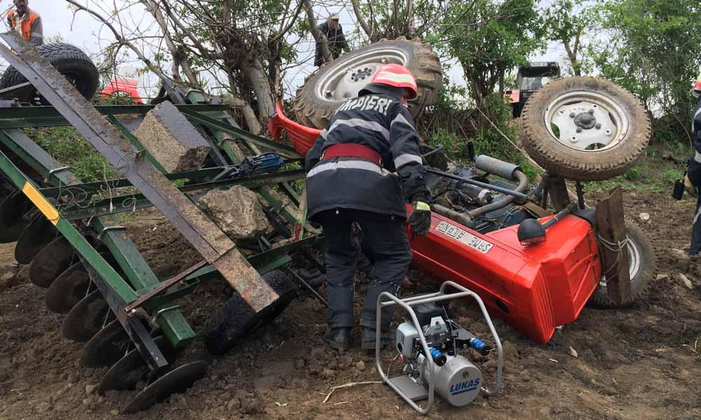 strivit de tractorul de lucru