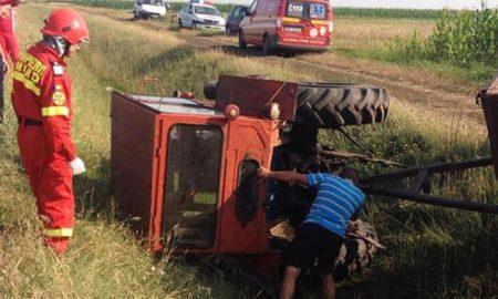 barbat-din-siret-prins-sub-roata-unui-tractor