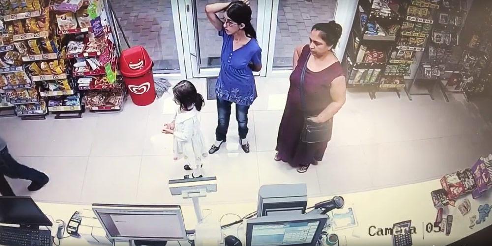 video-femeie-filmata-cum-a-furat-dintr-un-peco