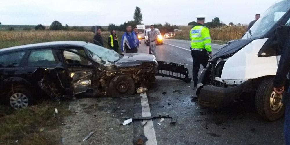 doua-masini-distruse-intr-un-accident-1