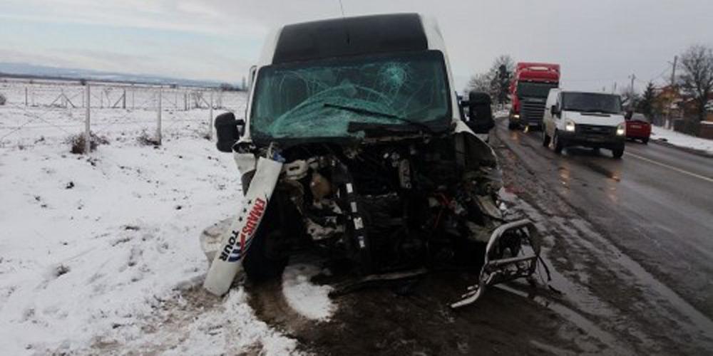 accident-grav-masina-spulberata-tatal-si-fiul-au-murit-3