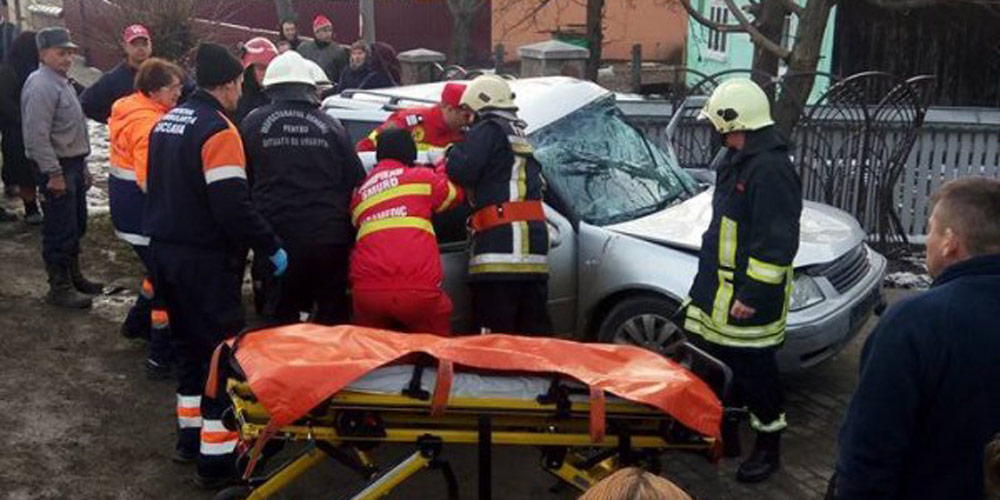 accident-la-milisauti-unde-o-femeie-si-copilul-ei-au-fost-grav-raniti-2
