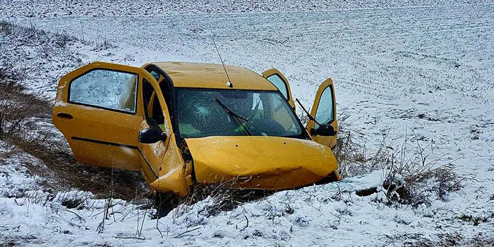 accident-mortal-la-dumbraveni-o-masina-intrat-intr-un-cap-de-pod-3