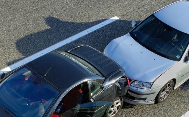 coliziune-fata-spate-auto