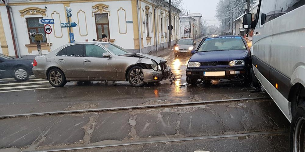 accident-radauti-aproape-de-calea-ferata-1
