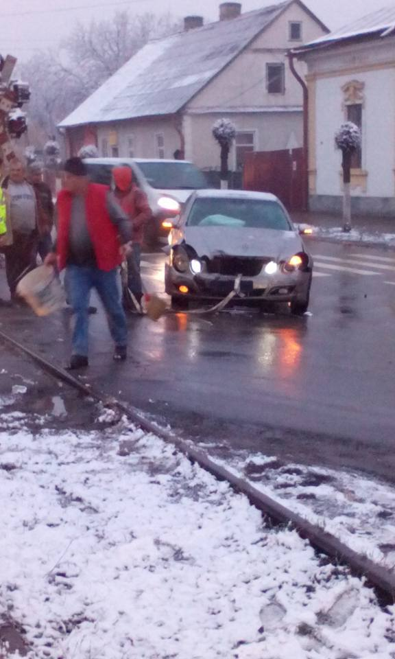 accident-radauti-aproape-de-calea-ferata-2