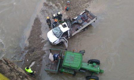 un-mort-si-doi-raniti-dupa-ce-o-camioneta-a-cazut-de-pe-podul-de-la-milisauti-6