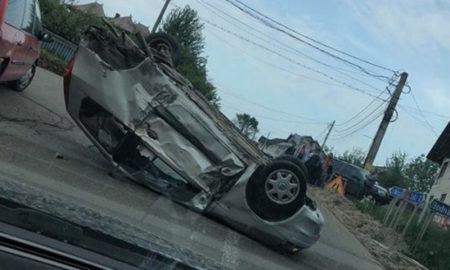 masina-rasturnata-in-urma-unui-accident-la-iaslovat