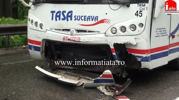 patru-persoane-ranite-in-urma-impactului-dintre-o-masina-si-un-autocar-2