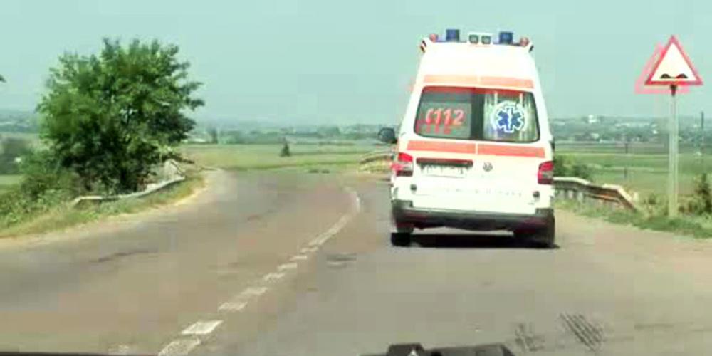 o-femeie-de-40-de-ani-si-fatul-nenascut-de-8-luni-au-murit-in-ambulanta-ce-ii-ducea-la-spital