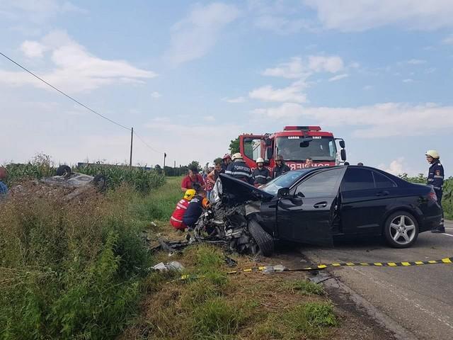 grav-accident-la-romanesti-o-persoana-a-decedat-si-patru-persoane-sunt-ranite-3