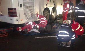 doi-tineri-pe-motocicleta-au-murit-sub-rotile-unui-autocar-intr-un-accident-groaznic-1