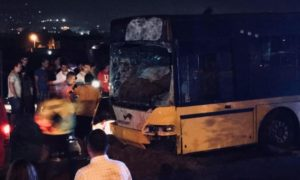 sot-si-sotie-morti-dupa-ce-caruta-in-care-se-aflau-a-fost-lovita-de-un-autobuz