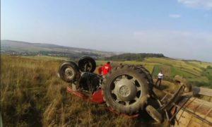 un-barbat-a-murit-dupa-ce-a-fost-strivit-de-un-tractor-la-galanesti