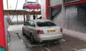 autoturism-audi-a6-furat-din-fața-blocului